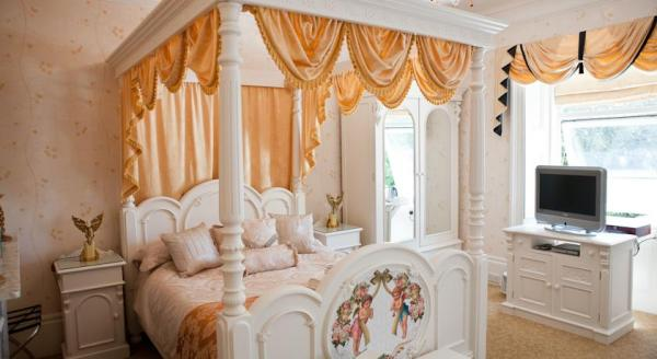 fairy tale rooms