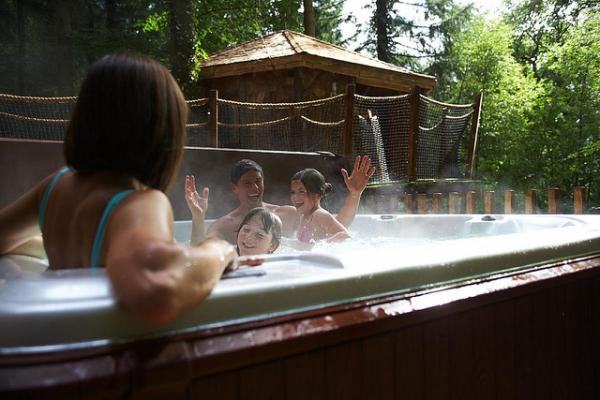 choose a cabin with a hot tub
