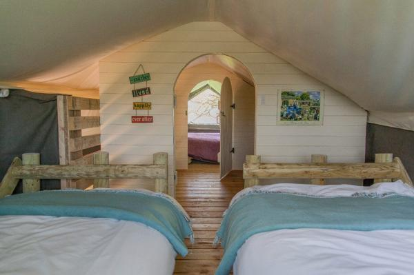 Squirrel Lodge twin room upstairs