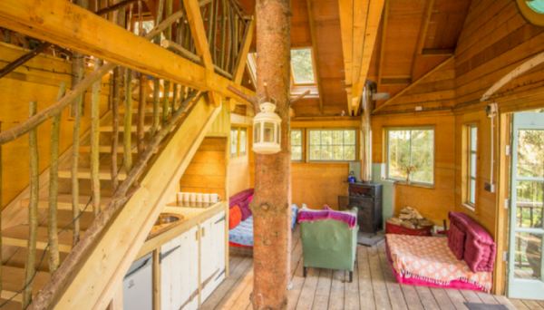 Sun Rise Treehouse interior