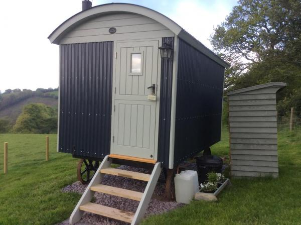 the hut for 2