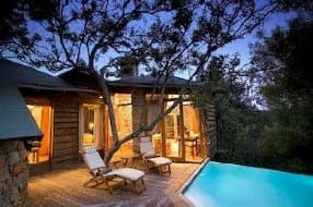 Treehouse holidays 5 star treehouse lodge in plettenberg bay with private pool and terraces spa treatments available sisterspd