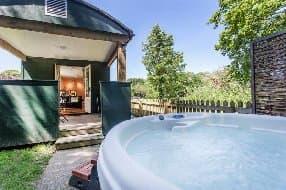 Hot Tub beyond the Varanda