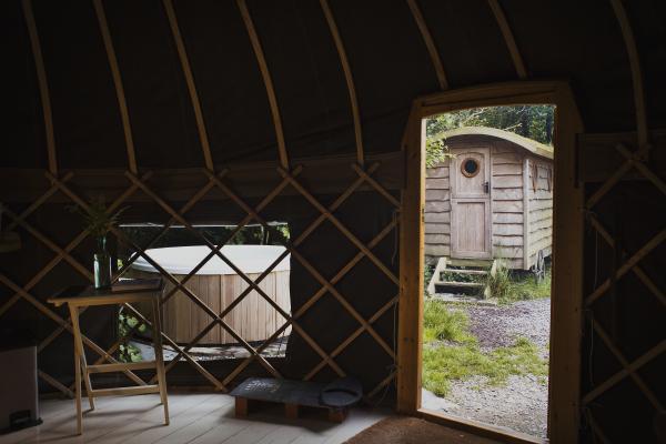 exterior hot tub close to the yurt