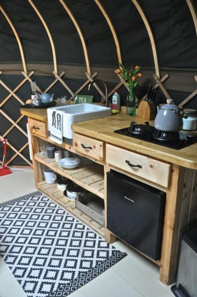 gorgeous little kitchenette in yurt