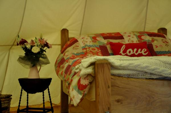 tipi for up to 4 people