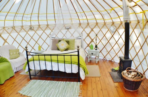interior of daisy yurt