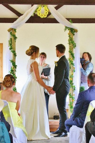 plan your wedding at Barnutopia