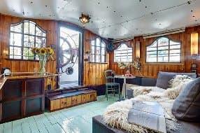 living room on Ama