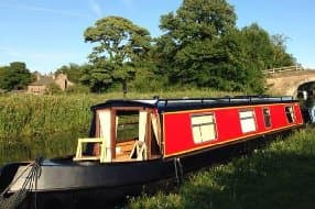 Ducklings Narrowboat for up to 4