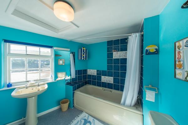 seaside themed bathroom