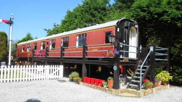 Refurbished 4-star Railway Carriage