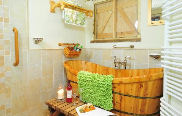 Bothy bathroom