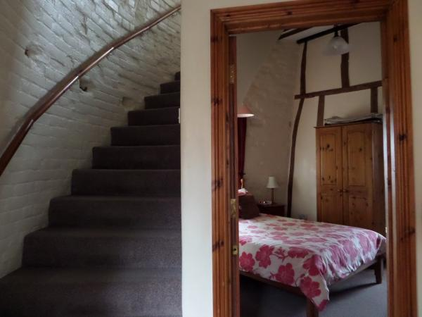 Double room and stairs, from landing,