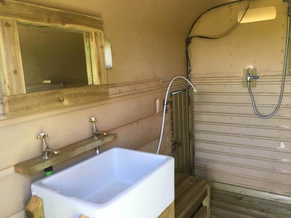 Wash facilities