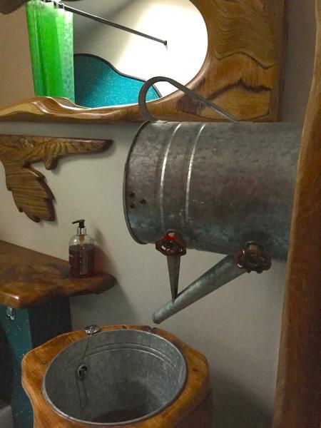 Unique handbasin