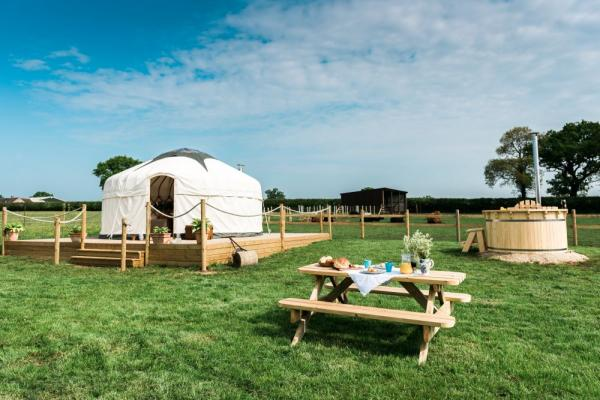 Yurt holidays uk with hot tub