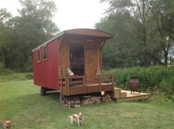 Riverside Shepherd Hut