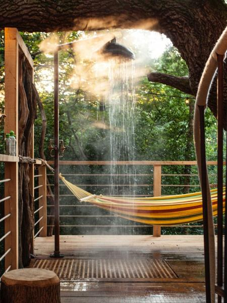 treehouse shower and hammock