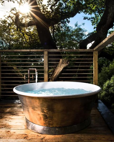 treehouse private hot tub