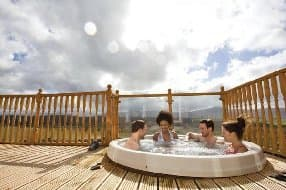 choose a cabin with hot tub