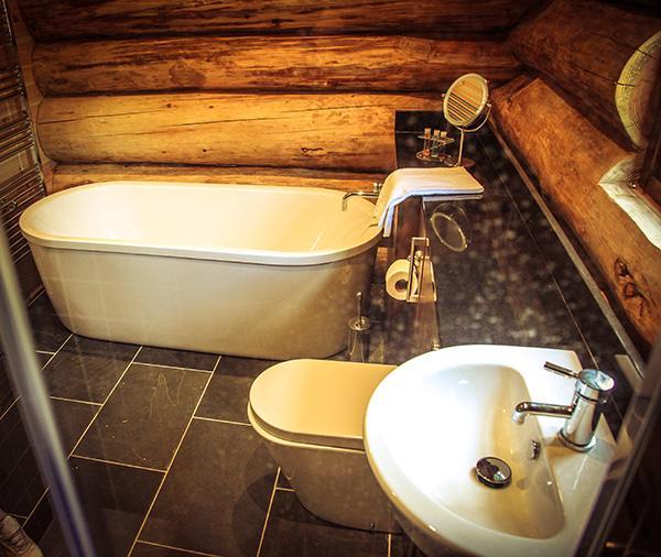 bathroom in Bluebell