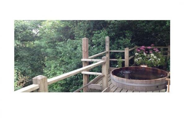 Cedar wood hot tub