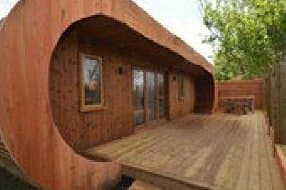 Exterior of curved cabin