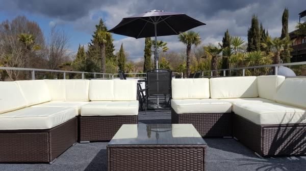 Roof garden seating
