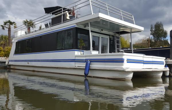 Bluebird Floating Home