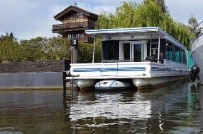 Bluebird floating house boat