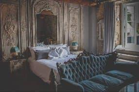 romantic and unique bedrooms