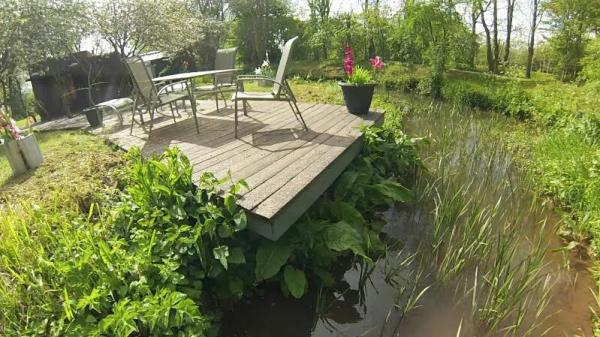 decking to waters edge