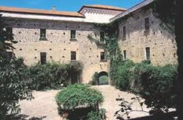 palace hotel courtyard