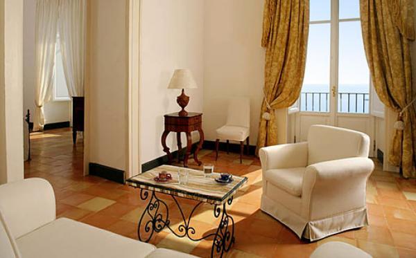luxury rooms at Palazzo Belmonte