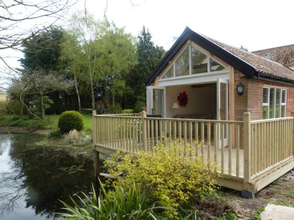 Willow Cottage overlooks the pond