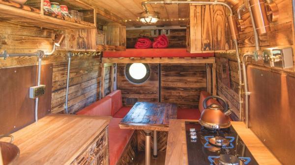 Saffiyah with wood interior