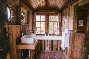 Bath with a view at Orchard Wagon