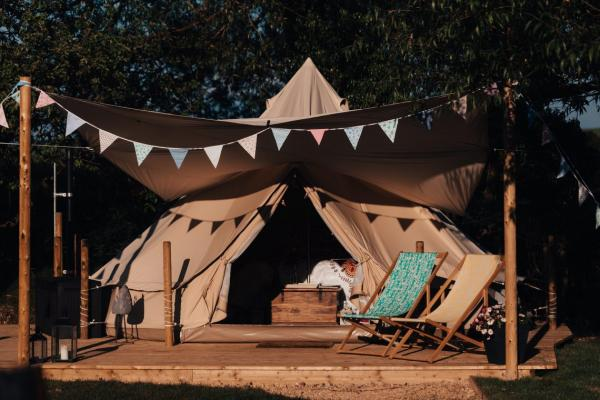 Bell tent - dogs welcome