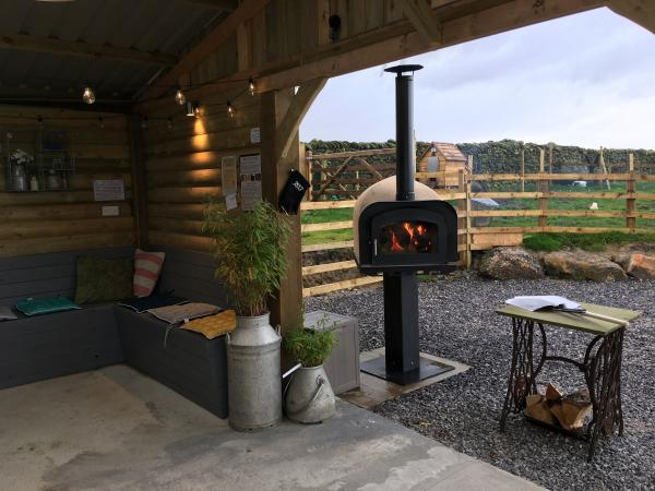 Wood fire oven for hire