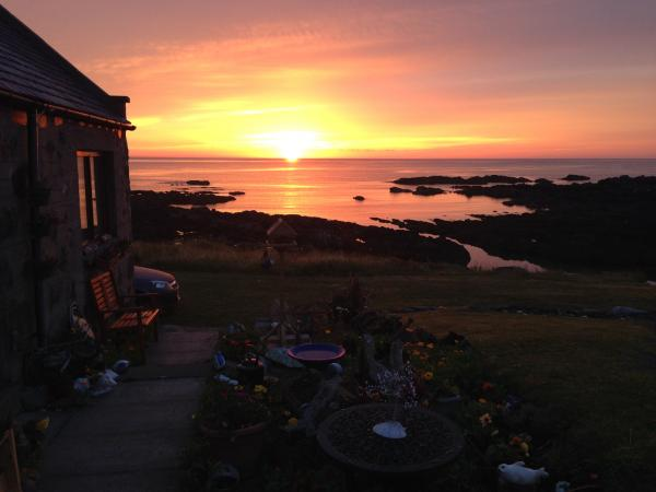 Sundown at Pew with a view cottage