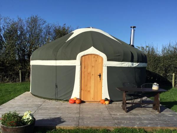 Peakes Retreats Yurt