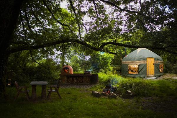 Yurt hot tub and garden