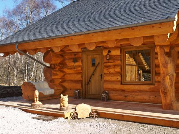 Entrance to the log cabin