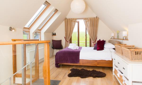 The Mews bedroom sleeps 2