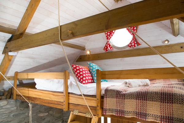 Beach Hut double bed