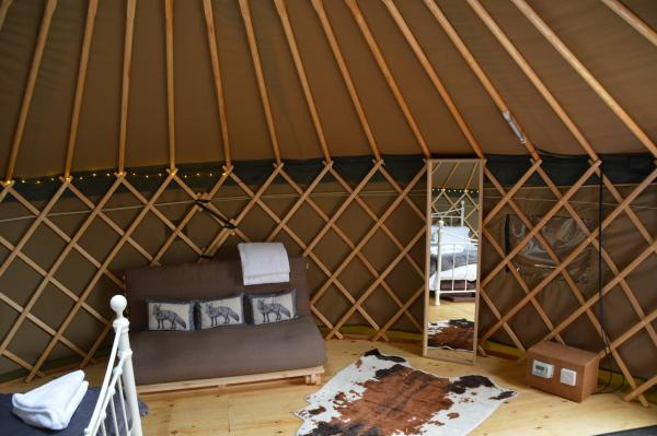 quality yurt stay with hot tub and decking