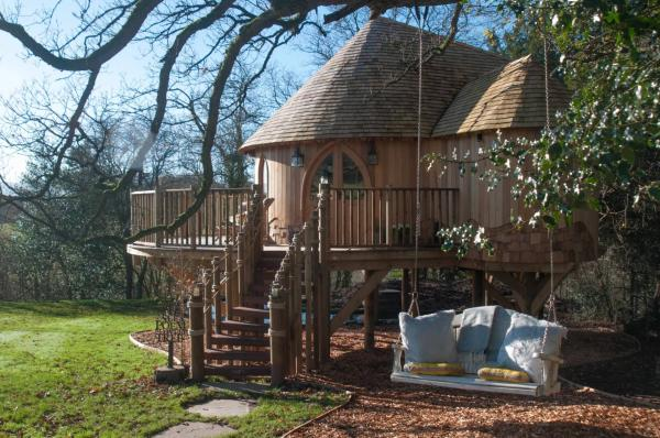 great treehouse stay