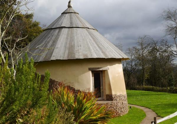 the hobbit like round house