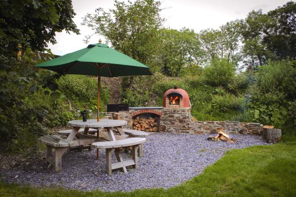 outdoor area with pizza oven